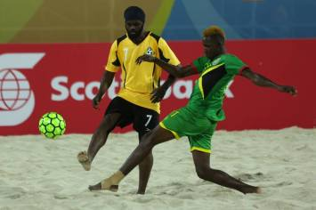 jamal-haynes-in-green-in-action-against-the-bahamas
